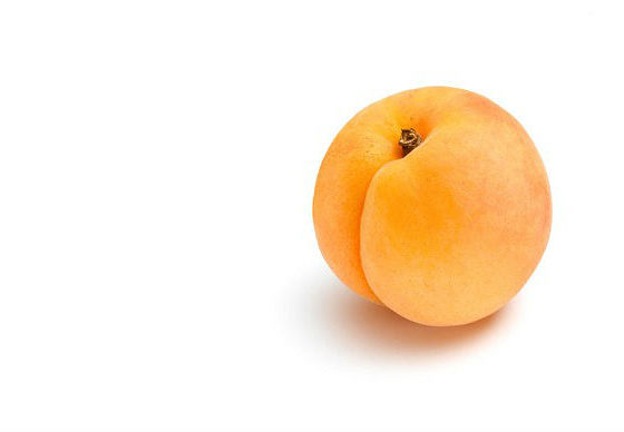 Consume apricots for better vision, heart diseases and avoid cataract surgery