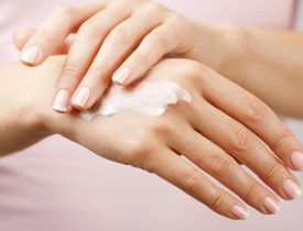 She Rub Her Hand With Apple Cider Vinegar Twice A Week… The Reason… I'm Trying Tonight!